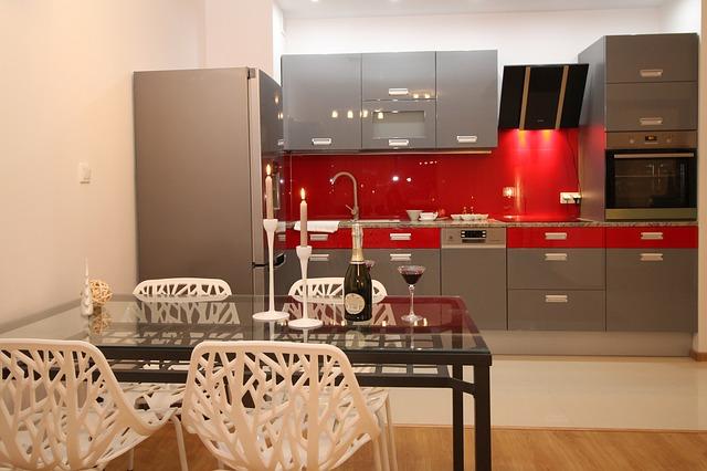 Invitez les couleurs dans votre cuisine !