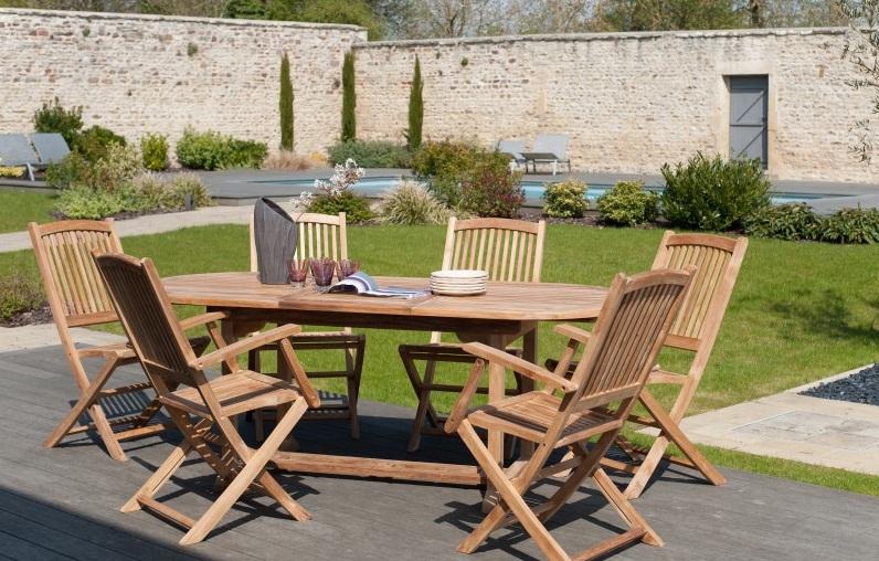 table de jardin en teck avec fauteuil pliants
