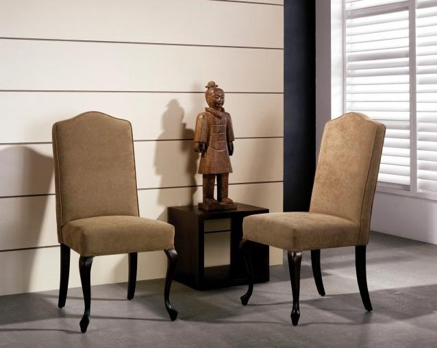 Chaise hêtre massif tapissée chocolat pieds chippendale