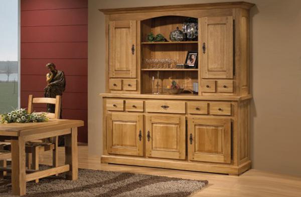 Buffet vaisselier 4 portes 2 corps. Corps bas: 4 portes (1 rayon sur crémaillères) et 3 tiroirs, corps haut 4 portes dont 2 vitrées (1 et 2 étagères sur crémaillères).