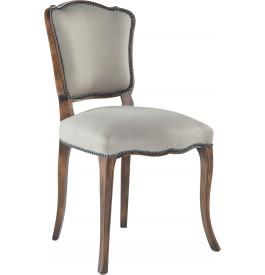 Chaise hêtre massif patiné assise et dossier tissu gris clair cloutés